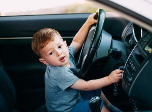 נהיגה ללא רישיון - ילד נוהג